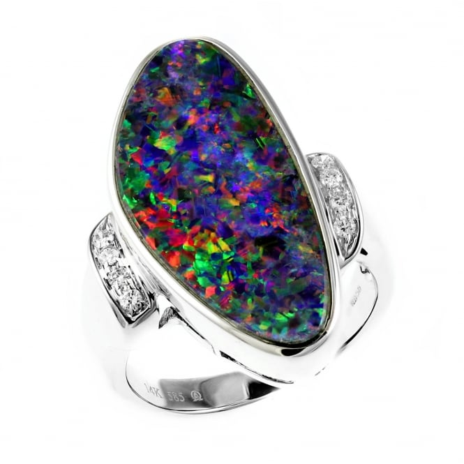 14ct white gold 5.96ct opal doublet & 0.10ct diamond ring.