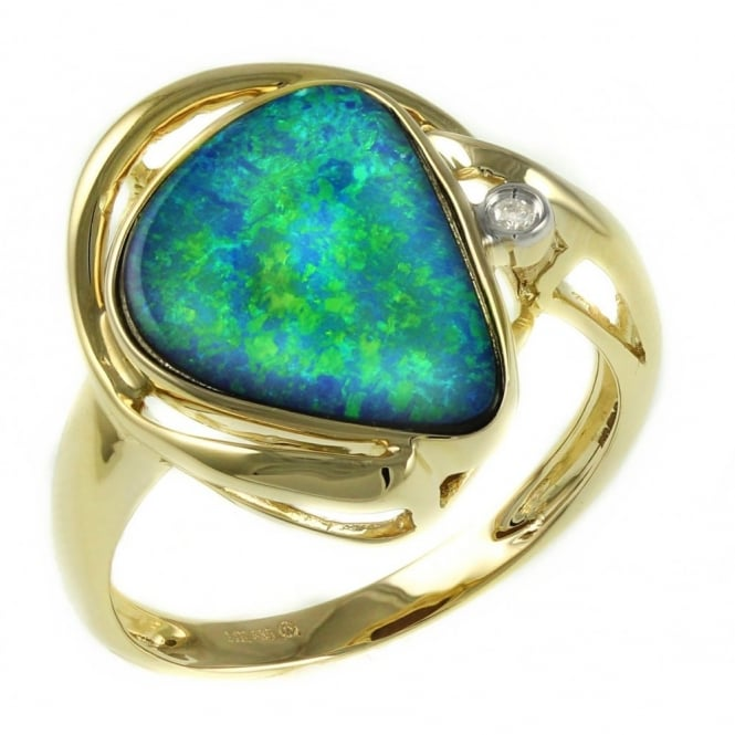 14ct yellow gold 2.97ct opal doublet & 0.02ct diamond ring.