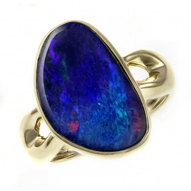 14ct yellow gold 3.97ct deep blue opal doublet ring.