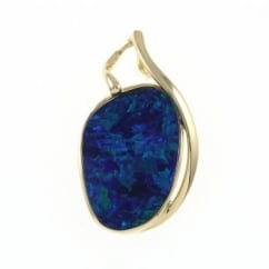 14ct yellow gold 7.70ct rubover large opal doublet pendant.