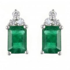 18ct white gold 1.35ct emerald & 0.12ct diamond stud earrings.