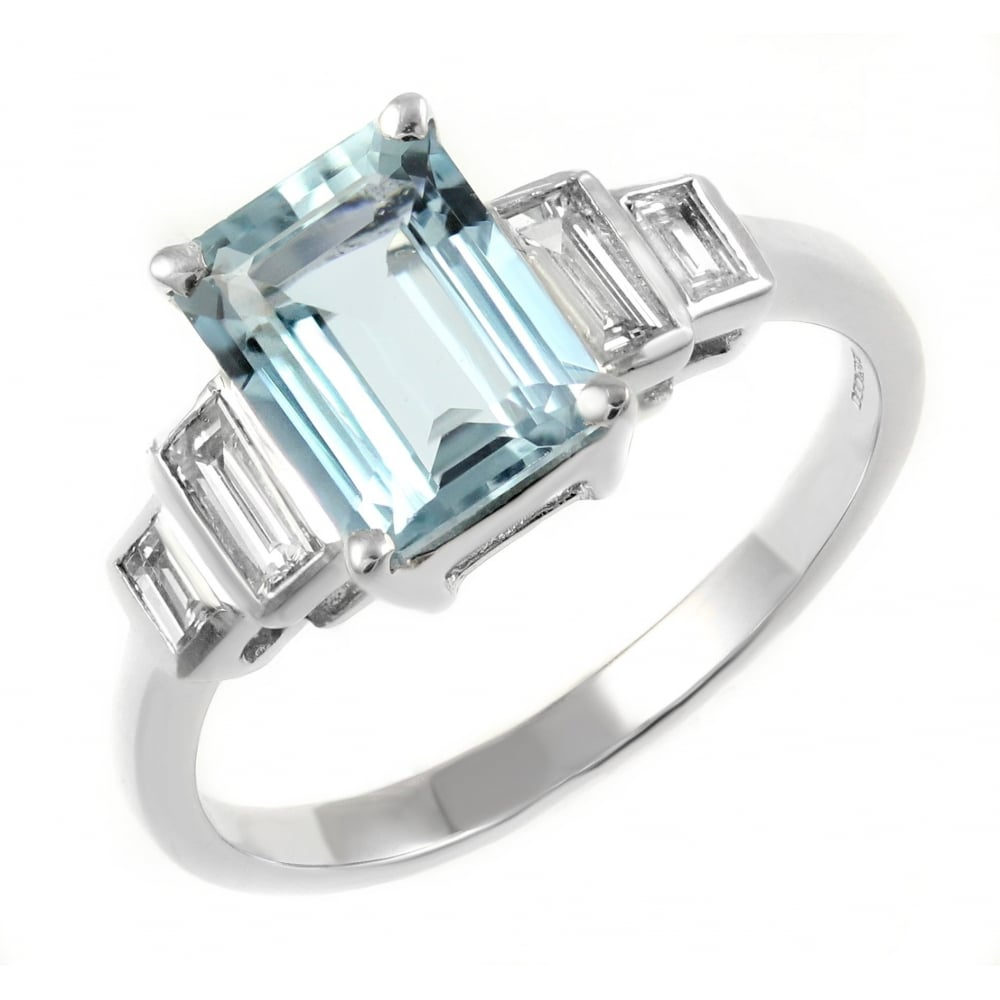18ct white gold 1 72ct aquamarine & 0 25ct diamond ring