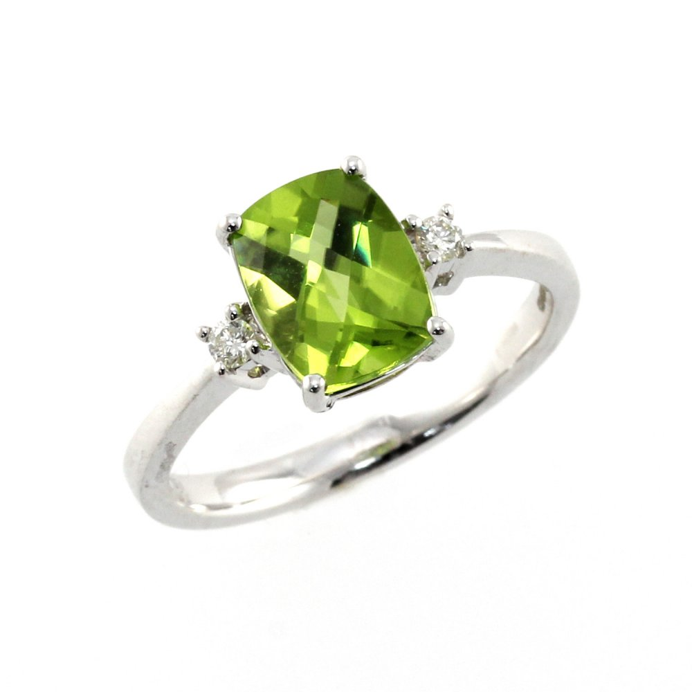 18ct white gold 1 93ct peridot 0 07ct ring