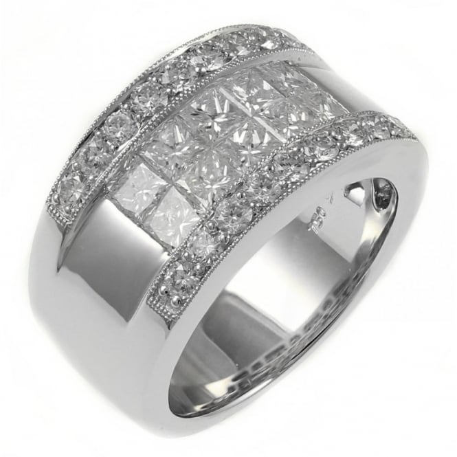 18ct white gold 2.23ct princess & round cut diamond ring.