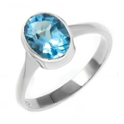 9ct white gold 9x7mm oval blue topaz ring.