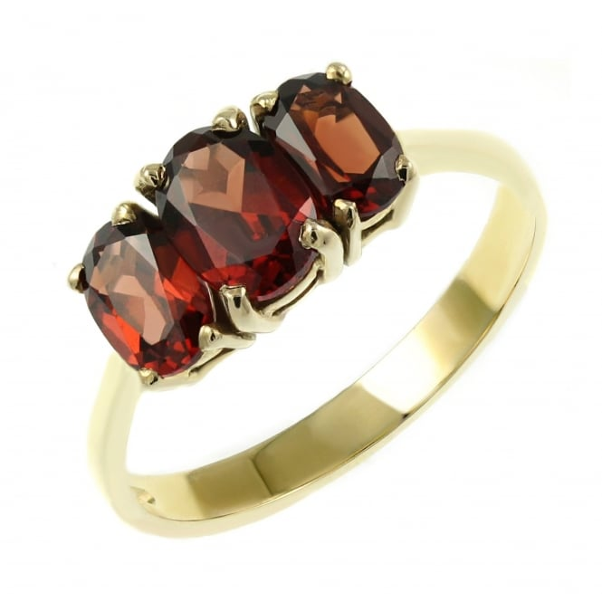 9ct yellow gold 7x5mm & 6x4mm garnet 3 stone ring.