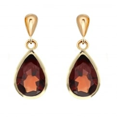 9ct yellow gold 7x5mm pear garnet drop earrings.