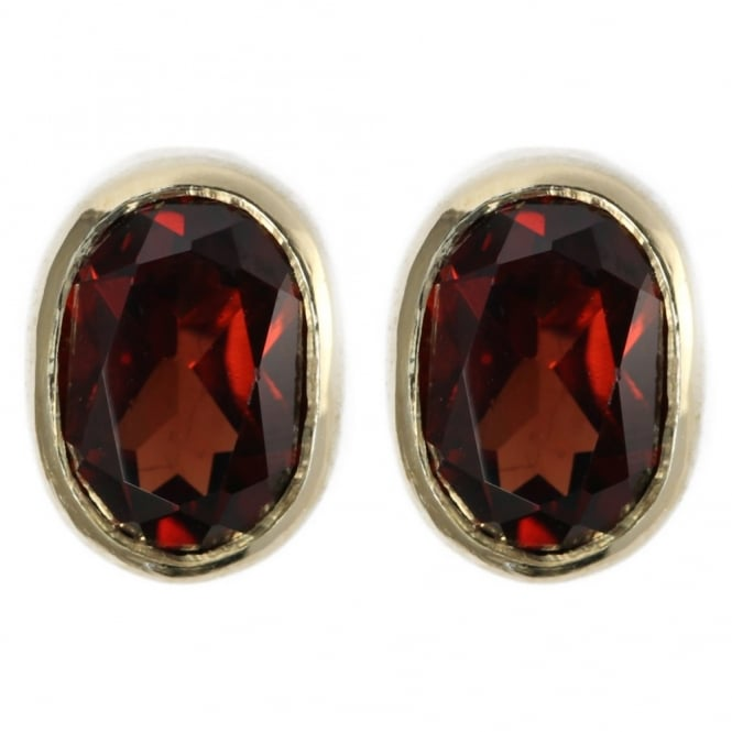 9ct yellow gold 8x6mm oval garnet stud earrings.