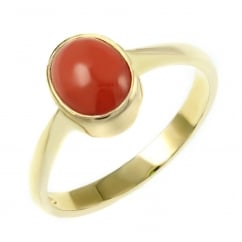 9ct yellow gold 9x7mm oval coral ring.