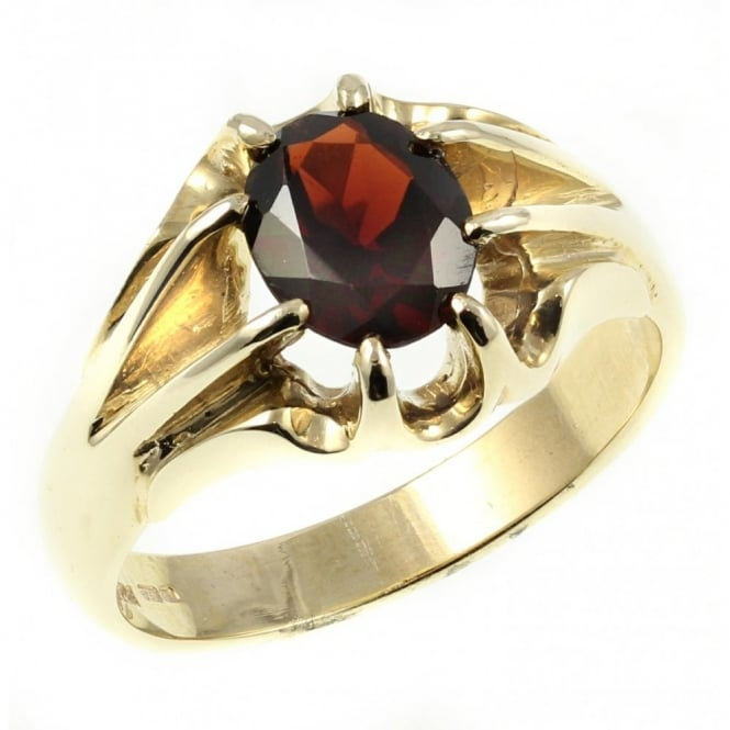 9ct yellow gold claw oval garnet signet ring.