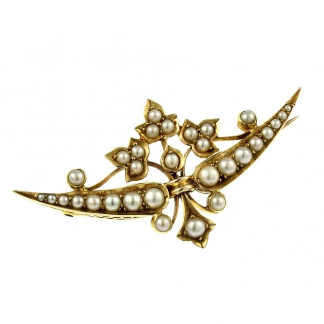 Preowned 18ct yellow gold seed pearl brooch.