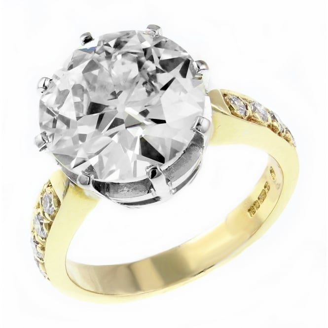 Preowned 18ct yellow old cut diamond solitaire ring.