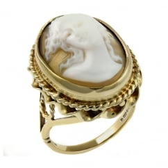 Preowned 9ct yellow gold 20x16mm oval cameo ring.